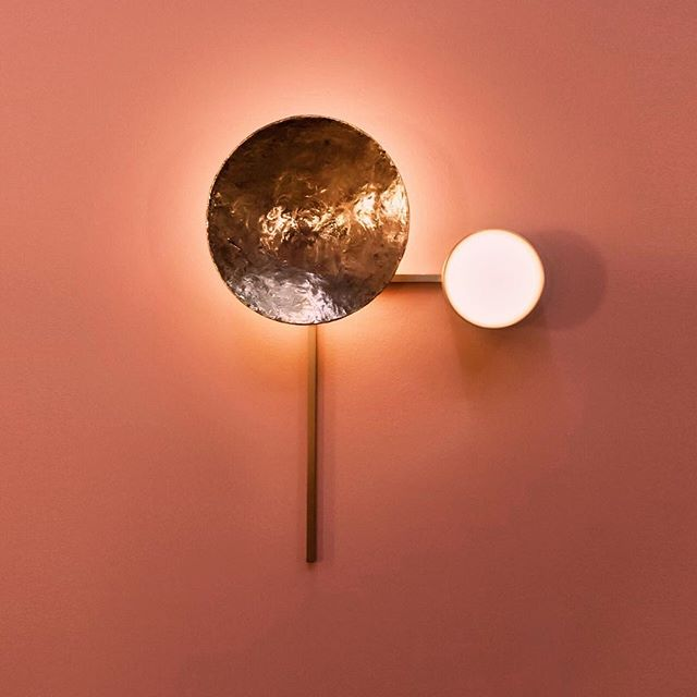 Gioielli wall lamp... one of the 7 composition: casted brass and a lens that seams a pearl are the protagonist of this one
