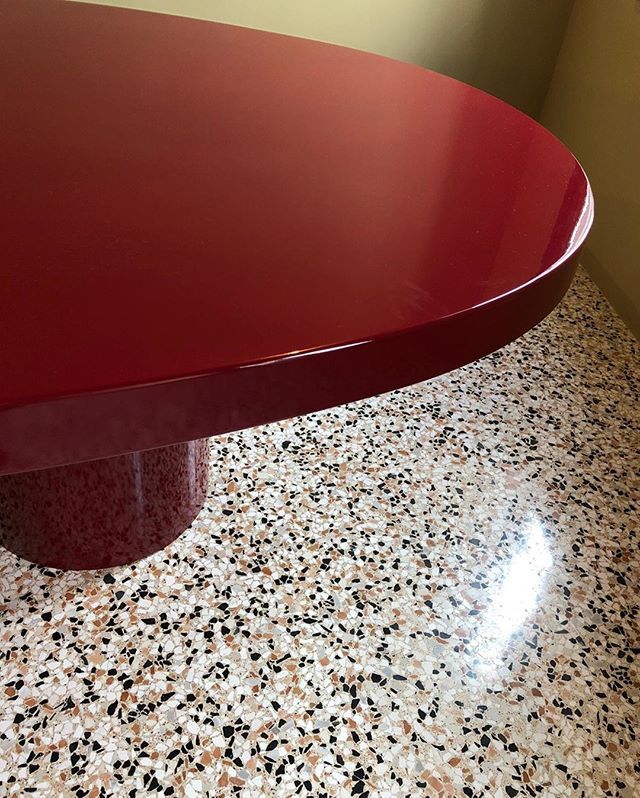 Modern lacquered table vs traditional terrazzo floor⠀⠀⠀⠀⠀⠀⠀⠀⠀ .⠀⠀⠀⠀⠀⠀⠀⠀⠀ .⠀⠀⠀⠀⠀⠀⠀⠀⠀ .⠀⠀⠀⠀⠀⠀⠀⠀⠀